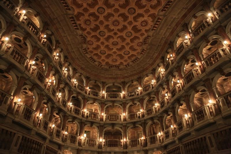 Teatro_Bibiena_20120928-3 (800x533)
